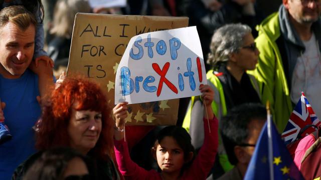 Brexit: multidão lota ruas de Londres por novo referendo; veja imagens