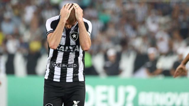 Bahia vence Botafogo e se afasta da zona de rebaixamento do Brasileiro
