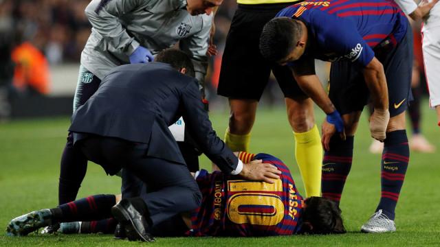 Messi tem fratura no braço direito e desfalca o Barça por três semanas