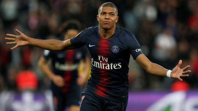 Com gols de Mbappé e Neymar, PSG vence Lille e segue 100% no Francês