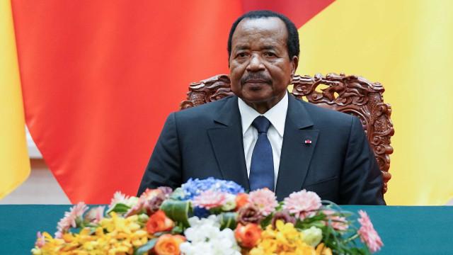 Presidente de Camarões é reeleito após 36 anos no poder