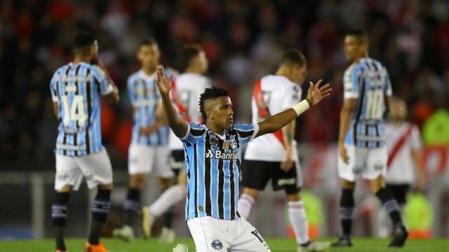 Grêmio vence River e joga por empate para ir à final da Libertadores