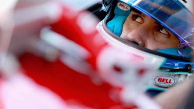 Piloto da Indy confirma que ficou paraplégico após grave acidente