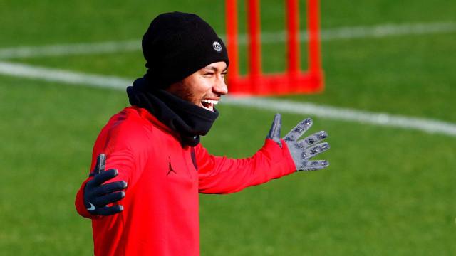 Neymar lança novo desafio no Instagram; consegue fazer igual?
