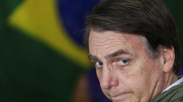 Boletins de urna com votação na Ásia e Oceania elegem Bolsonaro