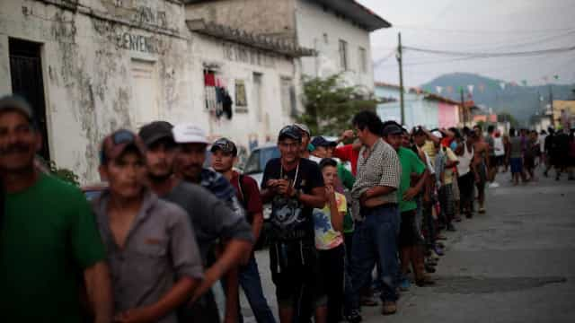Trump planeja enviar 5 mil soldados à fronteira com México, diz jornal