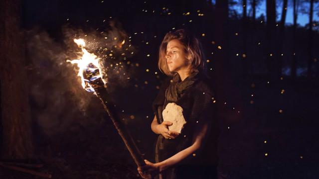 Conheça as bruxas do século 21, que só fazem magias para o bem