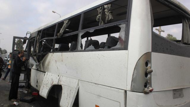 Ataque contra ônibus de cristãos deixa pelo menos sete mortos no Egito