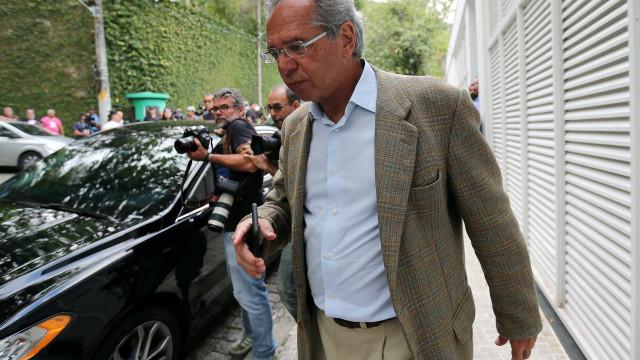 Guedes quer adiar para 2019 negociação para dividir recursos do pré-sal