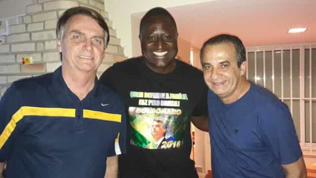 Nada de entrevistas! Bolsonaro quer Helio Negão de boca fechada