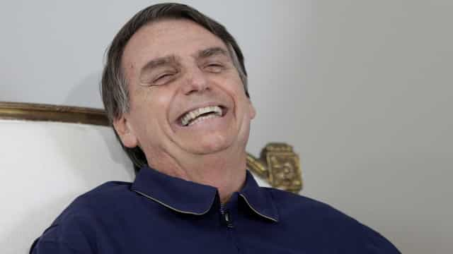 Bolsonaro diz que aprovar idade mínima de servidor é 'grande passo'