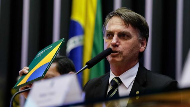 Bolsonaro estuda fim do Ministério do Trabalho