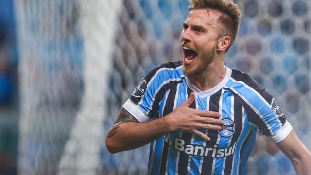 Após expulsão na Libertadores, Bressan tem futuro indefinido no Grêmio