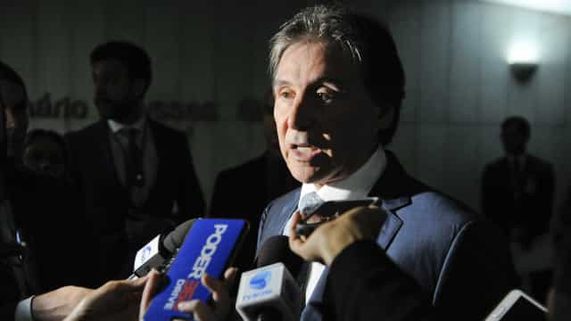 Estou aberto a debater mudanças no Orçamento com Bolsonaro, diz Eunício