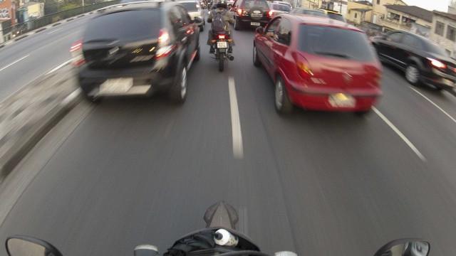 Motoboy conta briga no trânsito a amigos antes de ser morto em SP
