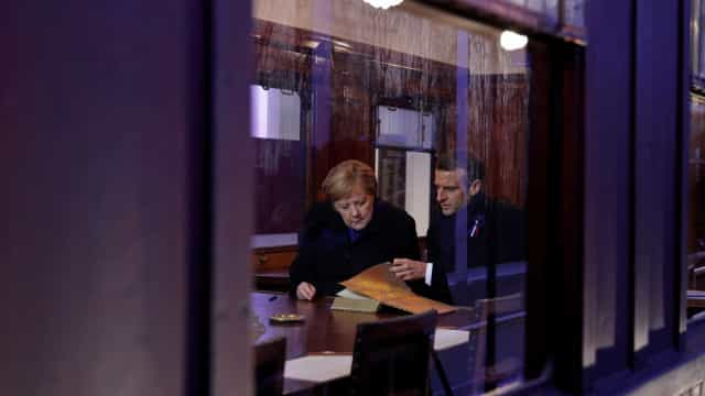 Merkel e Macron lembram fim da Primeira Guerra Mundial em Paris