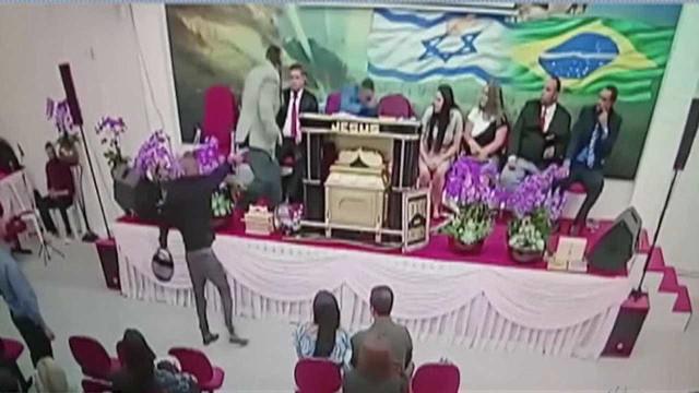 Pastor é baleado durante culto em Mogi das Cruzes (SP)