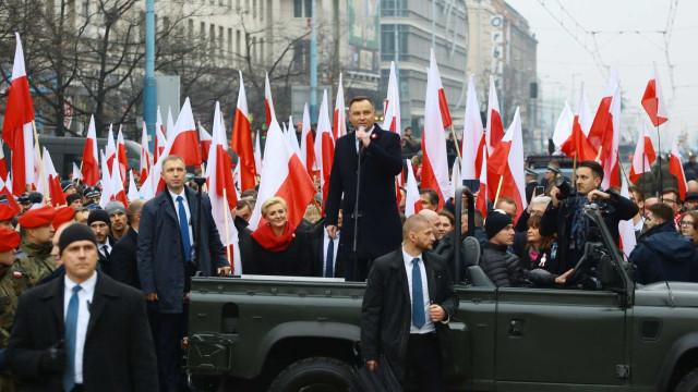 Extrema-direita se une a governo em marcha na Polônia