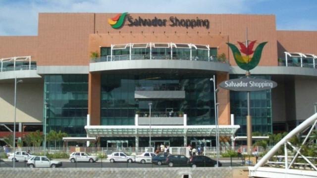 Tentativa de assalto termina em tiroteio em shopping de Salvador