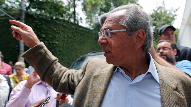 Guedes pode indicar diretor do Santander para chefiar o Banco Central