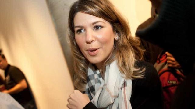 Daniela Beyruti, filha de Silvio Santos, defende o pai na web
