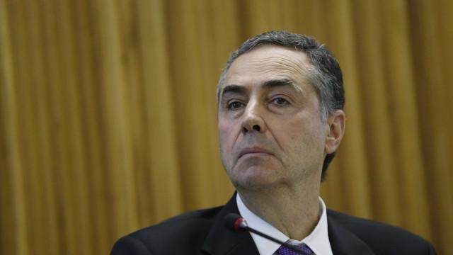 Barroso: TSE deve julgar contas de Bolsonaro na 1ª semana de dezembro