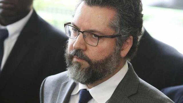 Diplomatas apontam quebra de hierarquia com indicação de Araújo