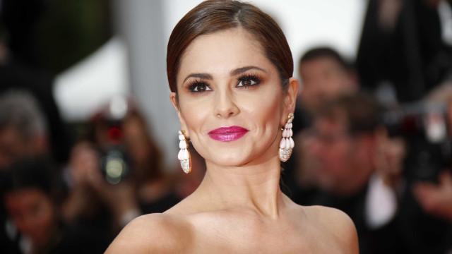 Cheryl Cole aparece com rosto transformado e é criticada na web