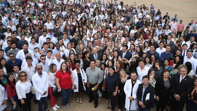 Saúde estima que 1.900 médicos cubanos ficaram no Brasil