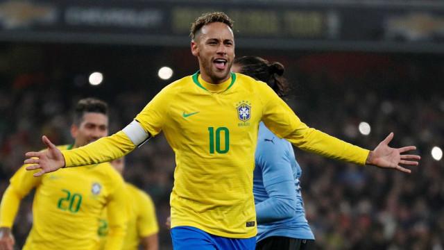 Com gol de pênalti de Neymar, seleção derrota Uruguai