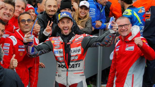 Dovizioso vence última etapa da MotoGP em prova atrapalhada por chuva