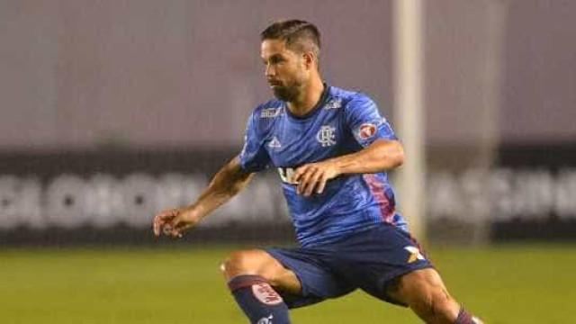 Santos oferece 'pacote' de R$ 600 mil mensais para fechar com Diego