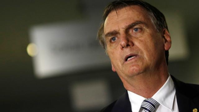 Bolsonaro revê plano de articulação ao chamar partidos para conversar