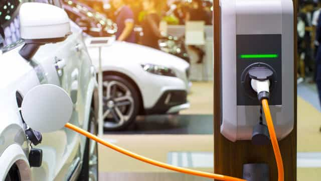 Projeto quer aumentar vida útil das baterias dos carros elétricos