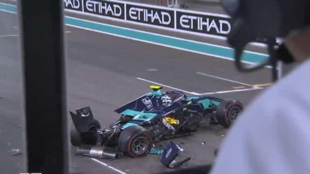Carros batem no GP de Abu Dhabi e por pouco cinegrafista não é atingido