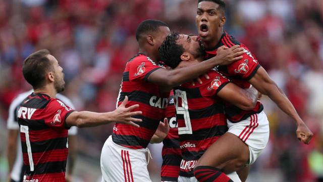 No Maracanã lotado, Flamengo encerra ano e dá adeus a Lucas Paquetá