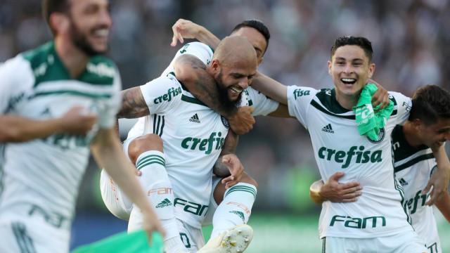 Palmeiras e Crefisa tratam de detalhes finais para firmar renovação