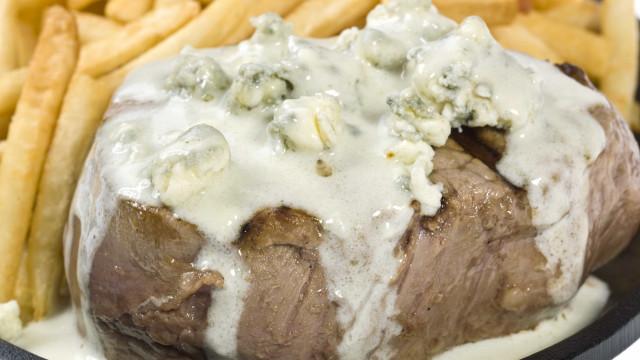 Receita gourmet: filé mignon ao molho de gorgonzola