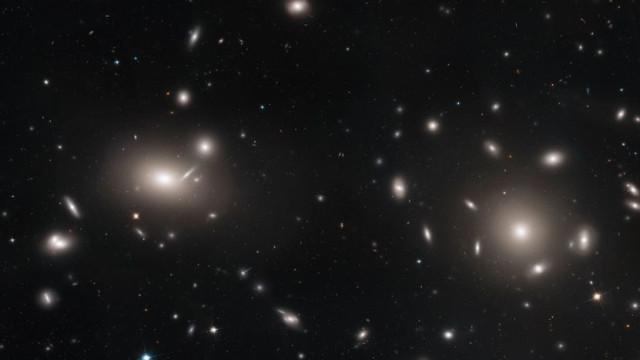 Nasa divulga foto com mais de mil galáxias