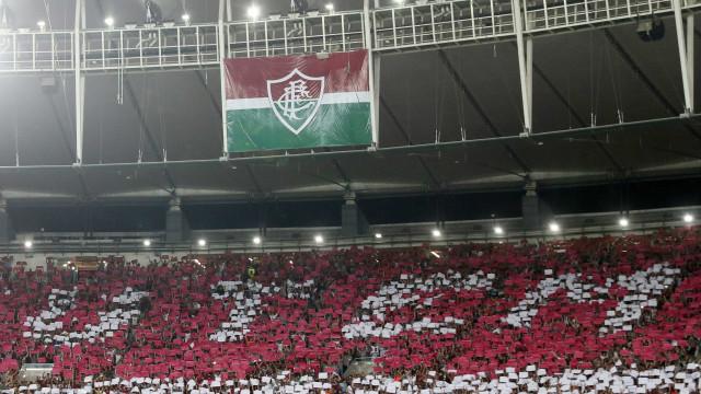 Treino no CT do Fluminense é invadido por cerca de 50 torcedores