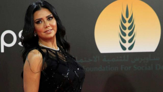 Atriz egípcia é processada por usar vestido transparente