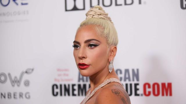 Lady Gaga se desculpa por trabalhar com músico acusado de abuso sexual