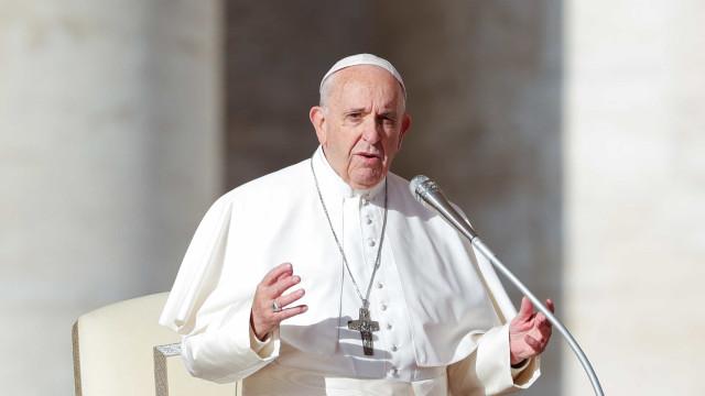 Papa Francisco aceita renúncia de porta-voz da Santa Sé