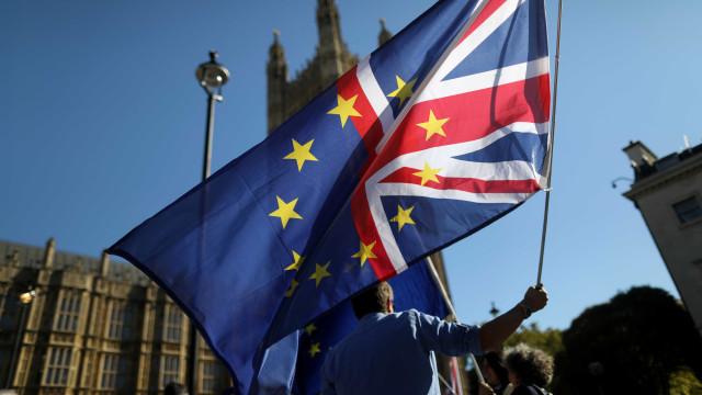 Consultor da UE diz que Reino Unido pode suspender 'brexit'; entenda