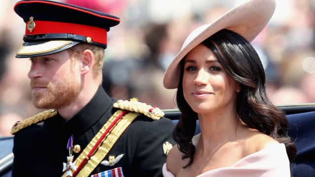 Supremacistas brancos sugerem matar príncipe Harry por casar com Meghan
