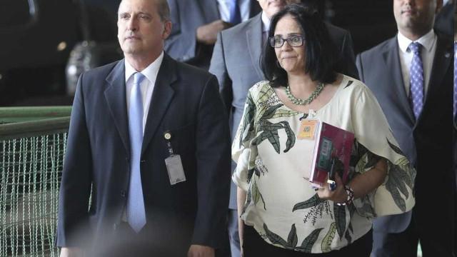 Nova ministra das Mulheres: 'Gravidez é problema que dura só 9 meses'