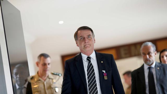 Bolsonaro embarca para Davos neste domingo