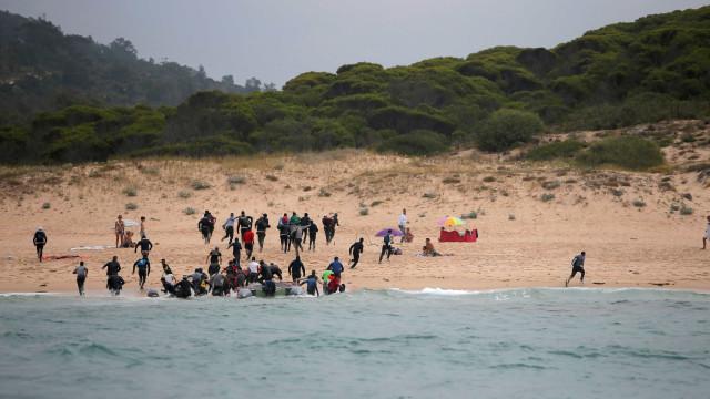 Mais de 200 pessoas são resgatadas do mar em Gibraltar e Alborão