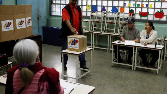 Líder chavista canta 'vitória revolucionária' em eleições na Venezuela
