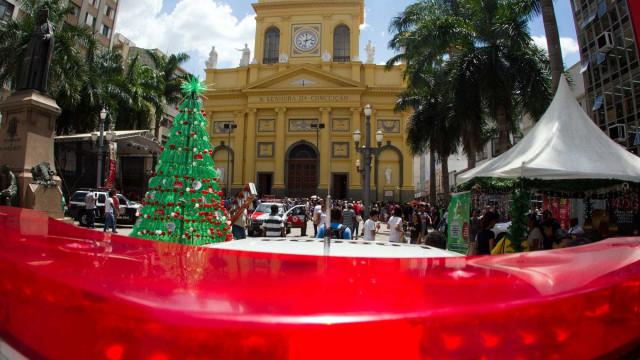 Vídeo mostra momento que atirador abre fogo durante missa em Campinas